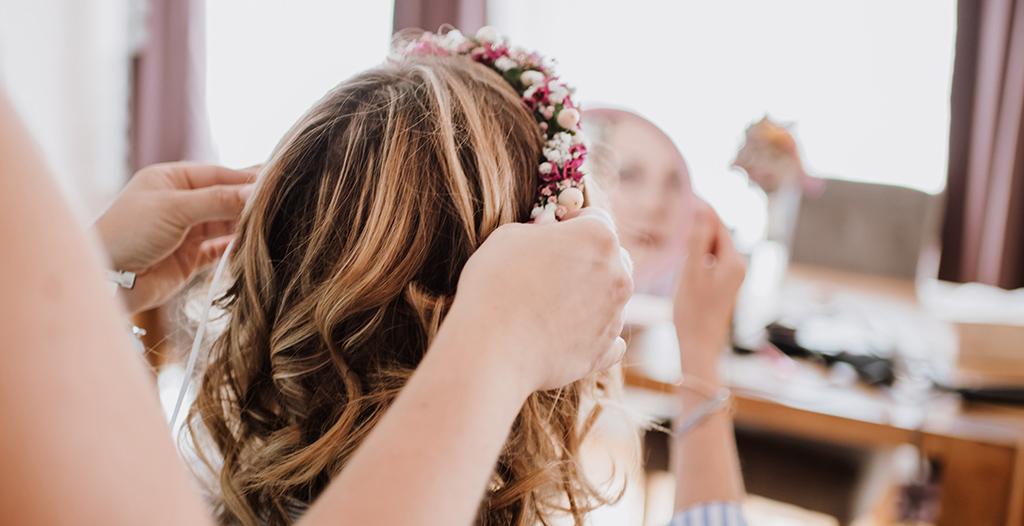 Blumenkranz als Accesoire für die Brautfrisur