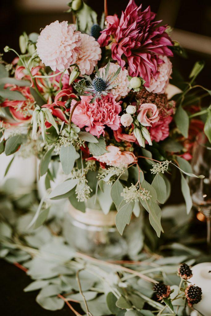 Blumen Farbkonzept mit hellen Farbtönen