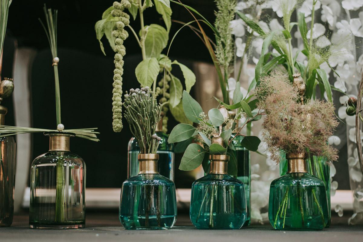 Farbkonzept einer grünen Tischdekoration